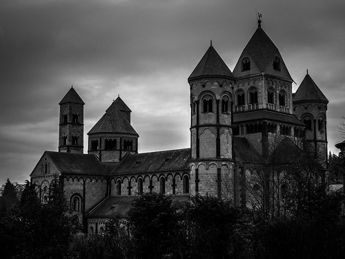 bw white black building church abbey architecture germany deutschland kirche olympus eifel monastery architektur sw 365 benedictine allemagne gebäude schwarz pfalz kloster omd vulkan benediktiner weis laachersee abtei project365 365days em5 365daysproject 365tage 3652015
