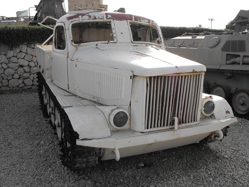 AT-L Artillery Tractor 5