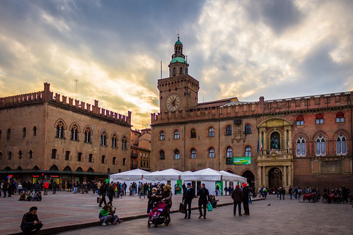 city sunset sky urban canon tramonto bologna 1855 emiliaromagna piazzamaggiore 600d