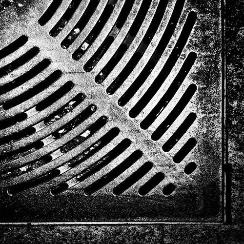 Curved Lines  #photooftheday #amazing #likes4follow #look #instalike #igers #picoftheday #instadaily #instafollow #followme #instagood #bestoftheday #instacool #instago #follow #blackandwhite #bw #bnw #abstract #minimal #minimalism #minimalist #lessismore | by Mario De Carli