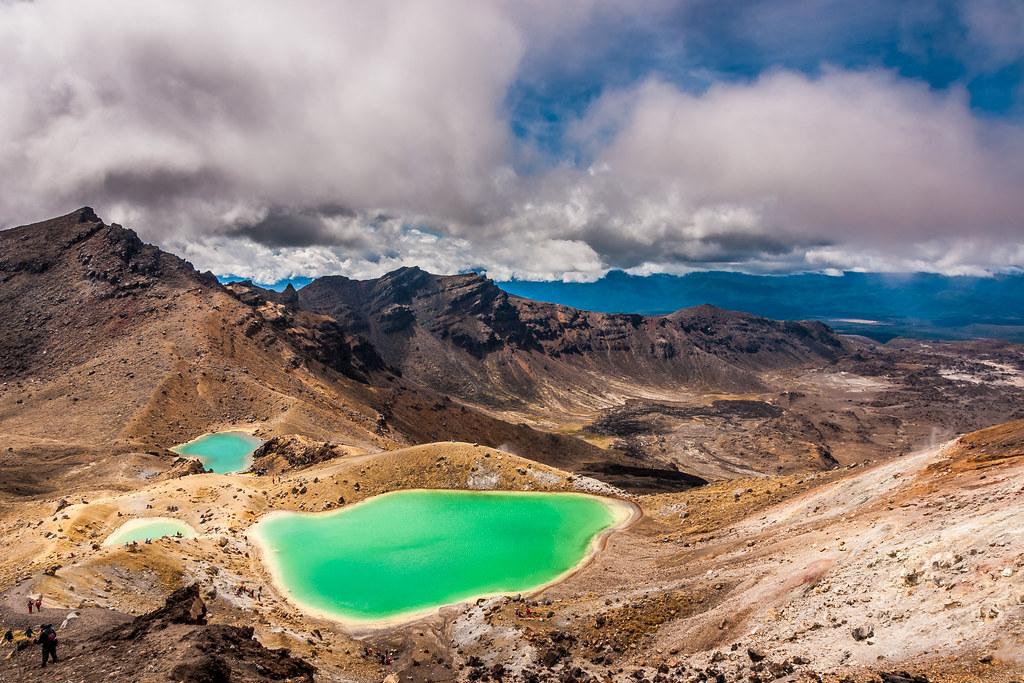 crater walk near rotorua