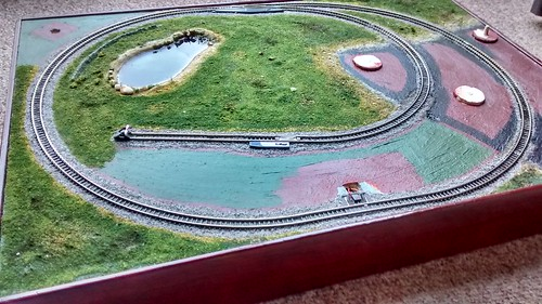 More grass filled in on my z-scale train layout | by lilspikey