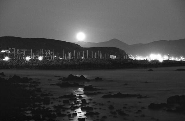 Sale la Luna llena (Mmarzo15029)