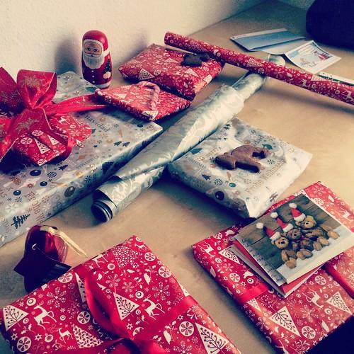 eingepackte Geschenke für Weihnachten | by koelnblogging.com