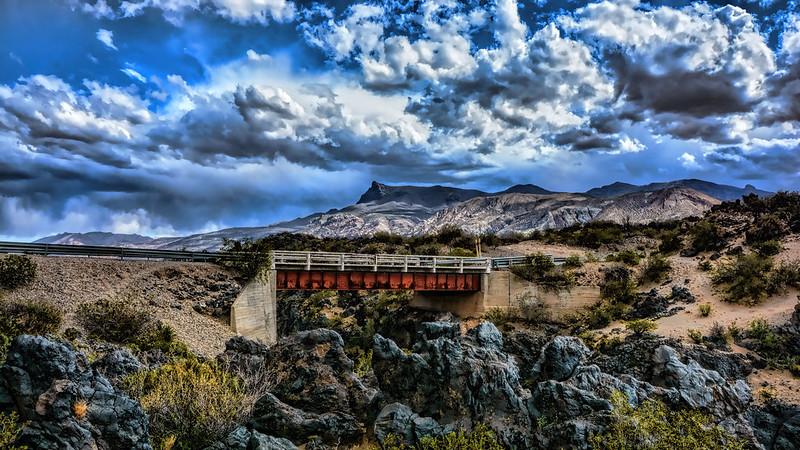 Puente sobre rio Grande