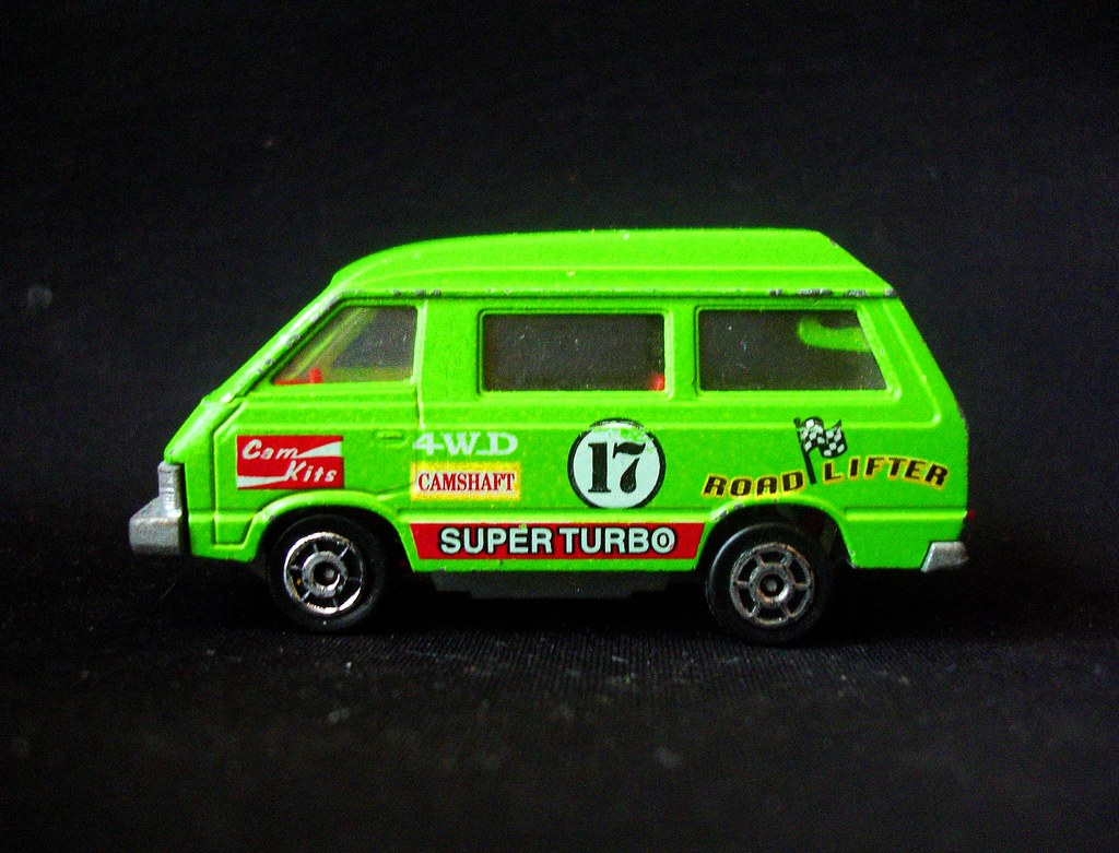 73748a37ac ... Toyota LiteAce by Majorette (Made in France)