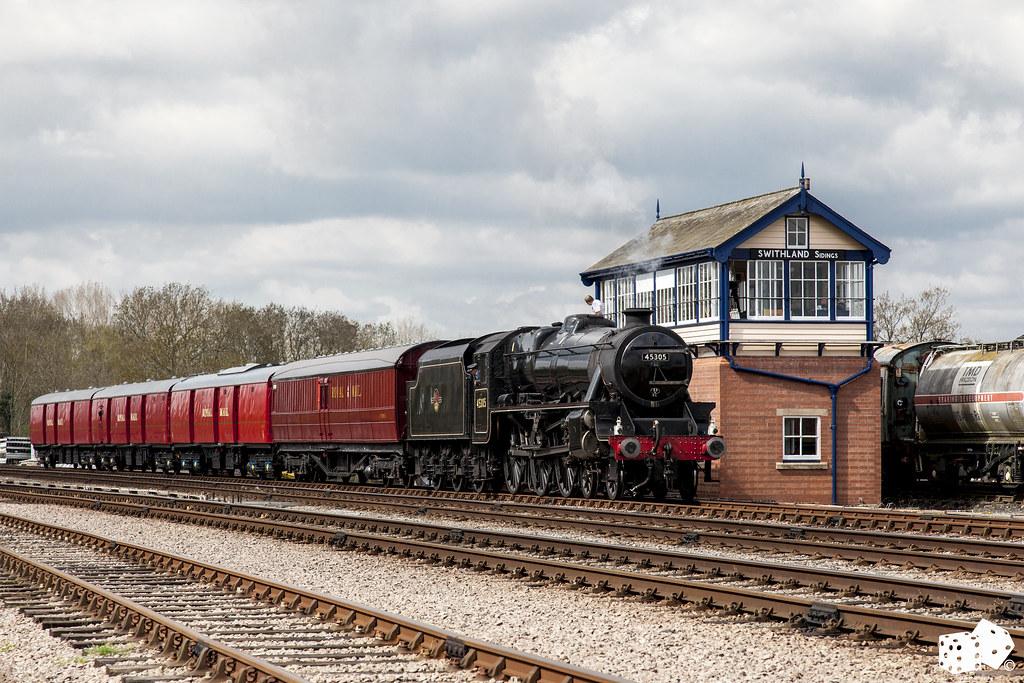LMS Black 5 45305 on the TPO Mail Train | craigelias1 | Flickr