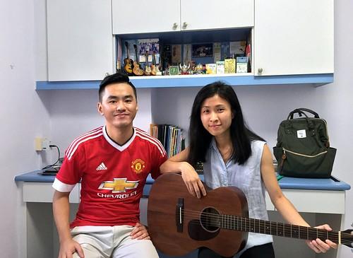 Beginner guitar lessons Singapore Shi En