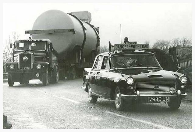 7935 UN - Austin Westminster A110 - Denbighshire Constabulary.