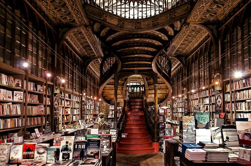 Librería Lello e Irmão...