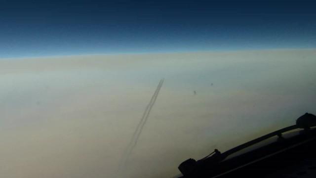 Boeing 747-400 races past us...Paris to Jeddah