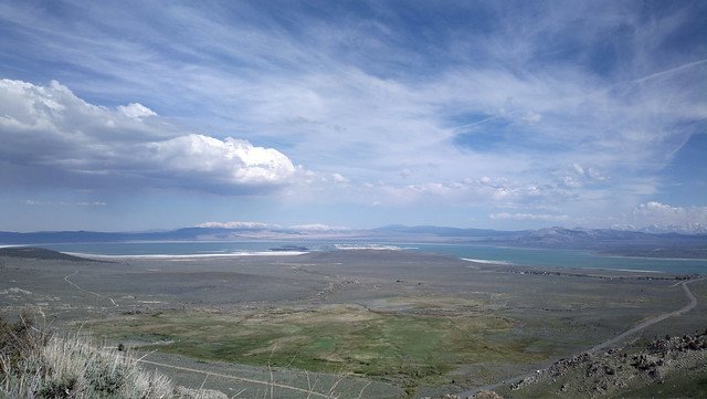 View of Mono Lake fron the Conway Summit view point
