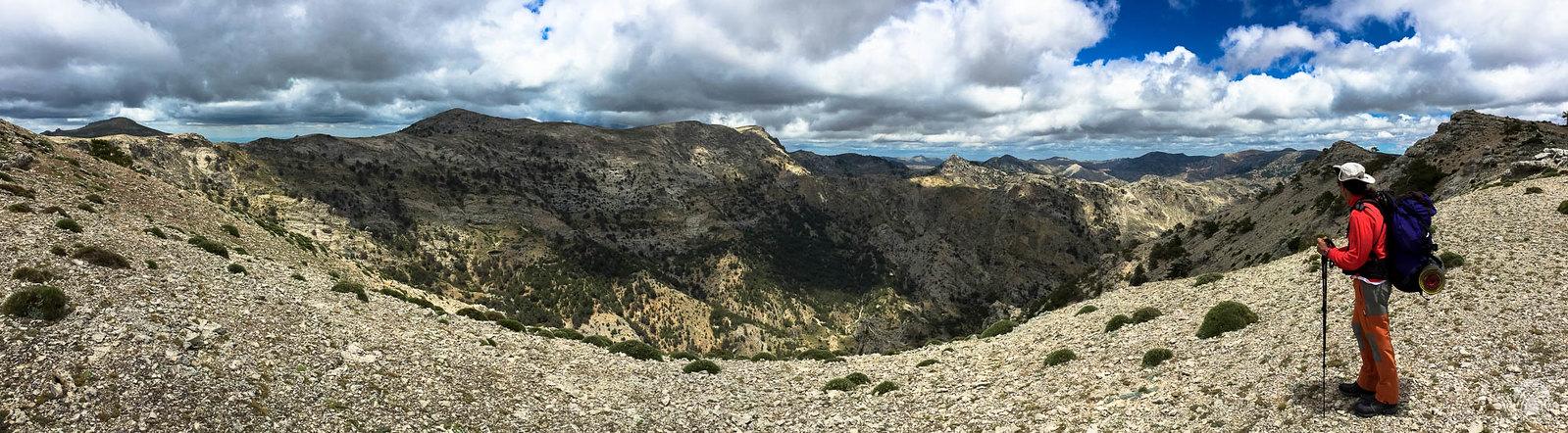 Fuerte viento con vistas hacia el macizo de las Empanadas