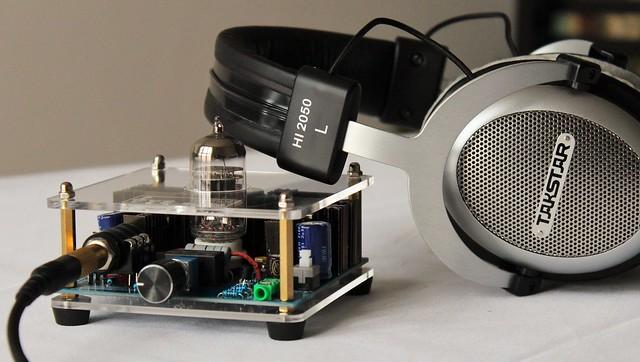Headphone amplifier and TAKSTAR HI2050