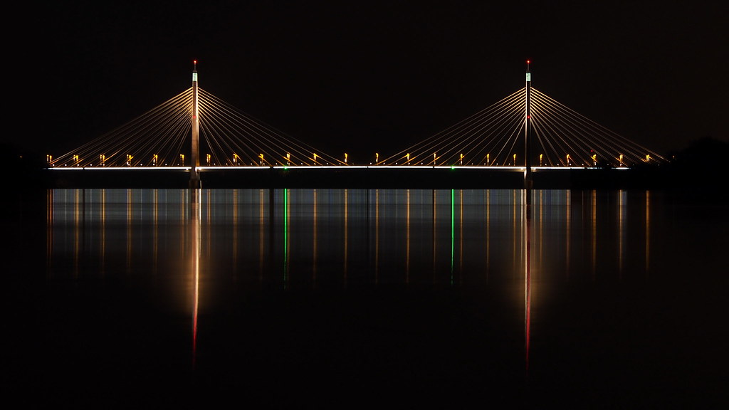 Megyeri Bridge at night