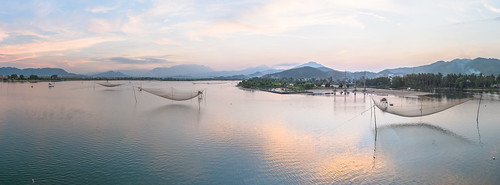 sunset net water river landscape fishing panoramic vietnam fujifilm tradition goldenhour danang đànẵng fujinon23mmf2 x100s