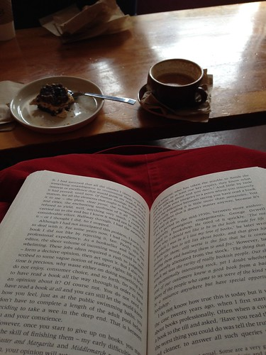 Sunday reading & cake | by Anetq