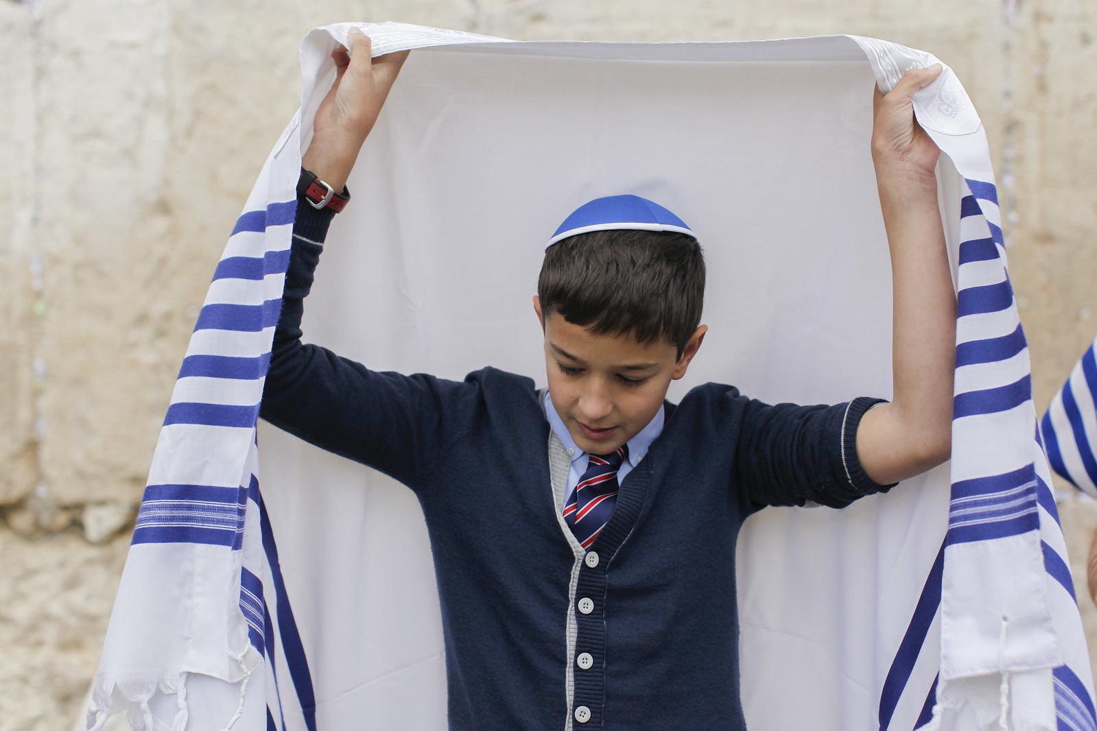 Bar Mitzvah 1_Jerusalem_IMG 9583_Yonatan Sindel_Flash 90_IMOT
