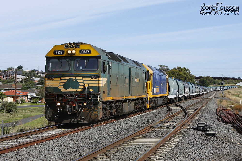 G537 & G530 loaded grain pass by Bell Post Hill towards Geelong grain terminal to unload by Corey Gibson