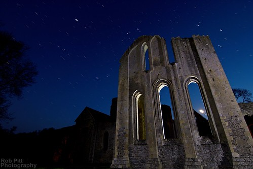 light moon abbey wales night painting stars photography nocturnal darkness britain north pass valle rob tokina torch flashlight horseshoe pitt t6 the cree crucis