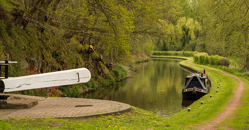 uk trees england green water reflections landscape canal spring nikon outdoor lock peaceful serene westmidlands narrowboat towpath waterways curvaceous bardge ashwood d7100 tamron2470f28vc worcestershirestaffordshirevanal