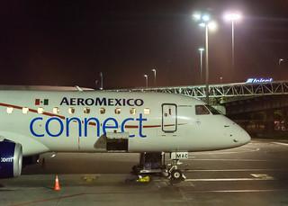Aeromexico Embraer E190   by ruifo