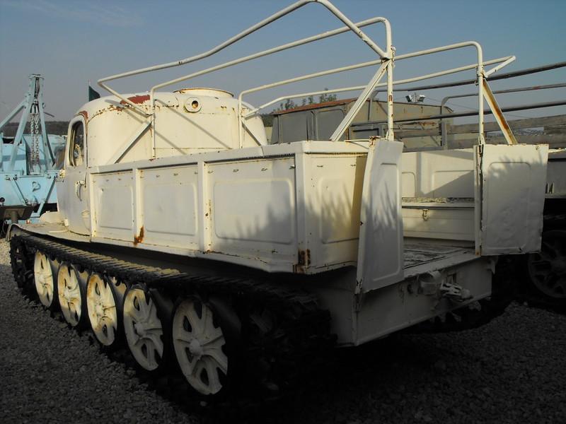 AT-L Artillery Tractor 3