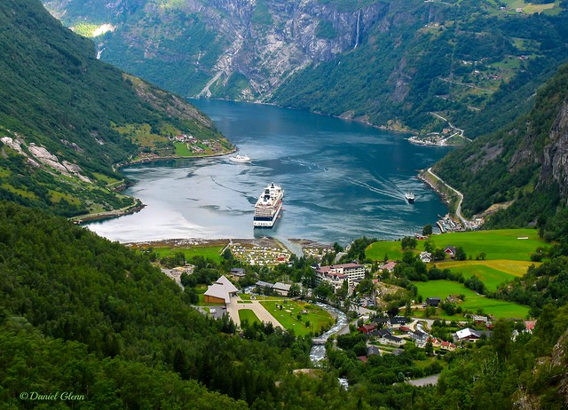 Crusing the fjords