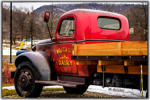(247/365) Wojtasik Dairy Farm Truck Antique Classic in Meriden, CT | by Pentax K-x Connecticut Man