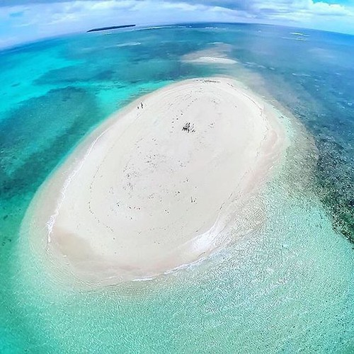 Stunning White Sand Vanishing Island In The Philippines - Naked Island, Britannia Group of Islands In Surigao del Sur | by theyolomoments