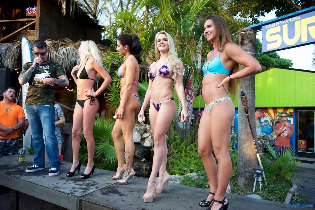 Bikini contest girls