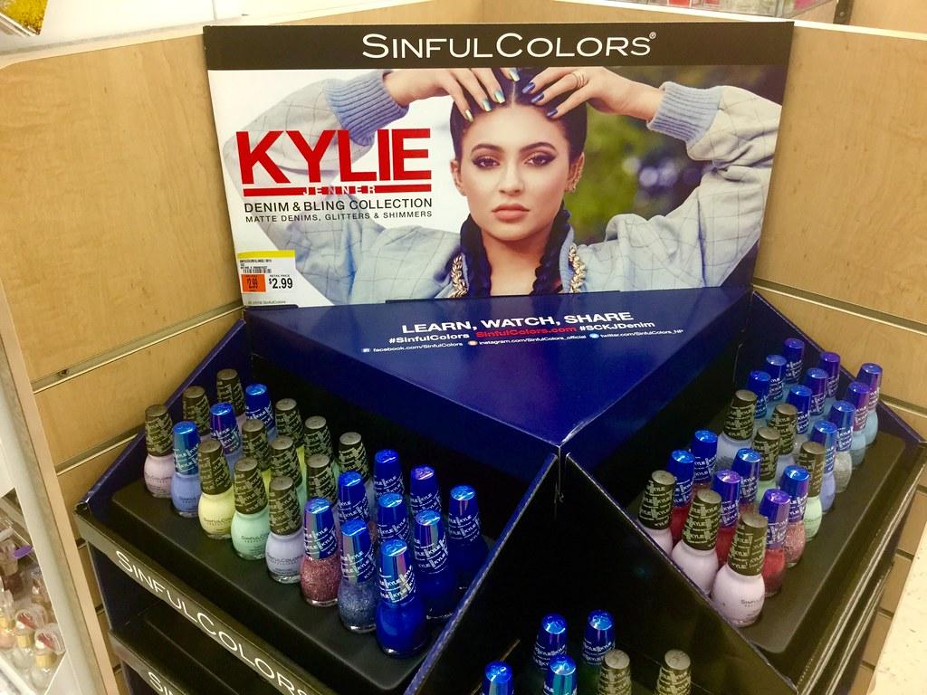 """Résultat de recherche d'images pour """"kylie cosmetics"""""""