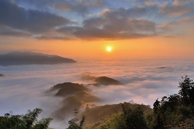 大崙山 ~夕陽...雲海雲彩~ Sunset on  clouds