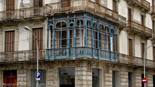 1839 Marquesina de un edificio en Barcelona