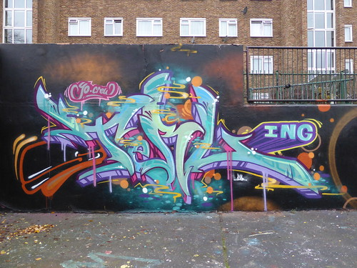 Sterling graffiti, Stockwell | by duncan