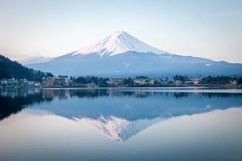 逆さ富士   by hsuyo