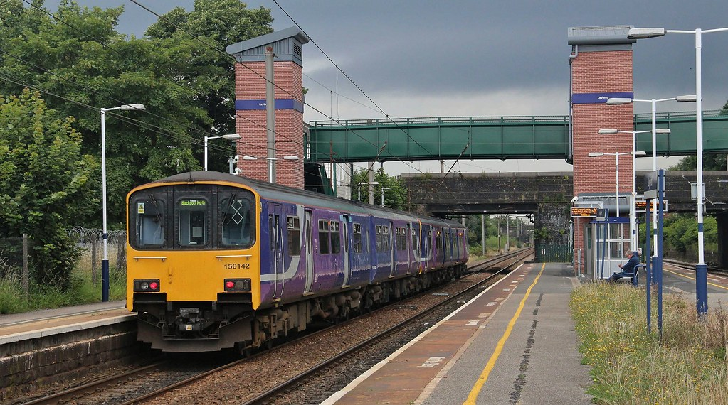 Northern Rail Unit 150142 (with 150113), Leyland, 1st. August 2016 by Crewcastrian