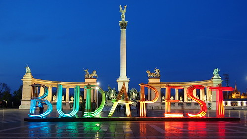 Budapest sign at Heroes' Square | by sonic182