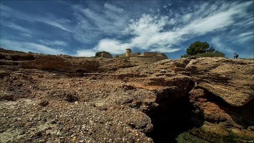 agua cielo nubes montaña castillo rocas charco santjordidalfama sonya77