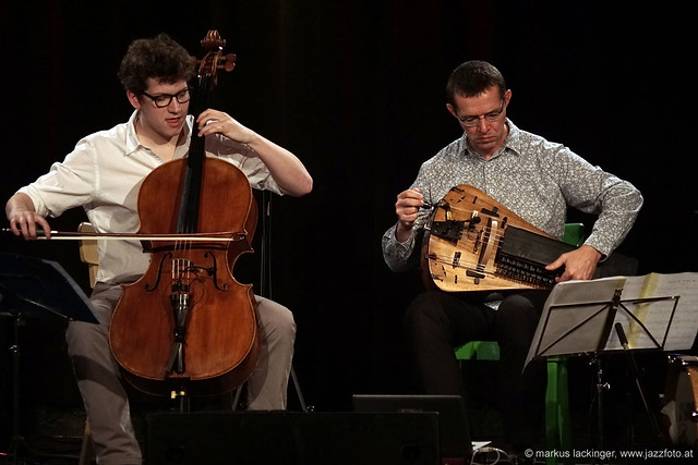 Clemens Sainitzer: cello / Matthias Loibner: hurdy gurdy / drehleier