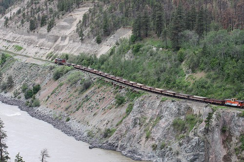 canada cn train britishcolumbia railway locomotive lytton canadiannational thompsonriver emd 5506 ballasttrain sd60f