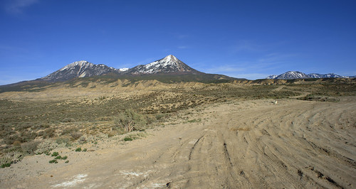 mountains rural landscape colorado scenic tracks dirt vista scrubland