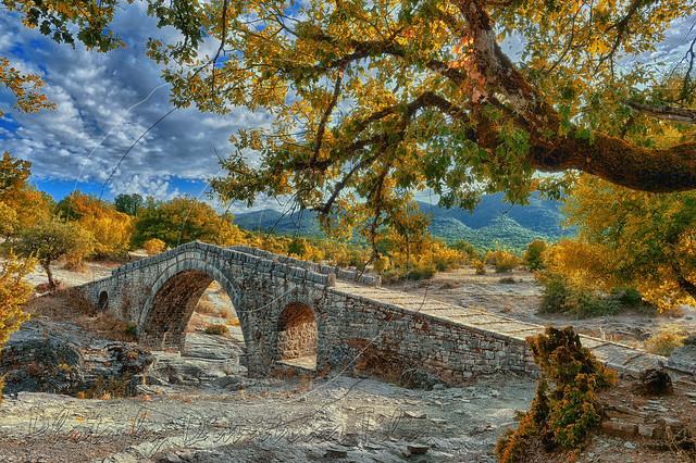 Πέτρινο γεφύρι του Γκρέτση Gretsi's stone brigde