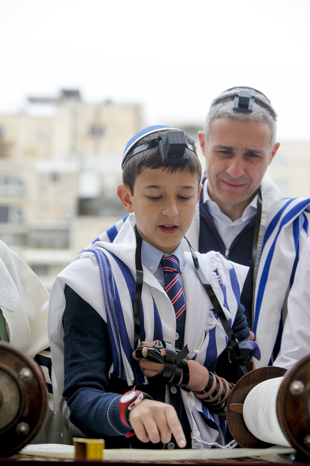 Bar Mitzvah 5_Jerusalem_9671_Yonatan Sindel_Flash 90_IMOT