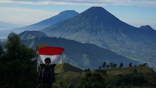 travel mountain indonesia landscape hiking sony gunung backpacker dieng prau sindoro sumbing nex5t