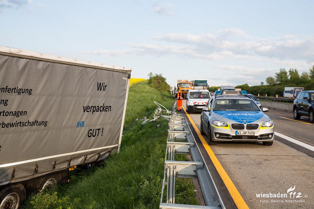 Todlicher Lkw Unfall A3 28 04 15 Wiesbaden112 De Flickr