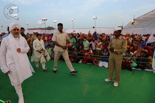 Arrival of His Holiness at Satsang Pandal