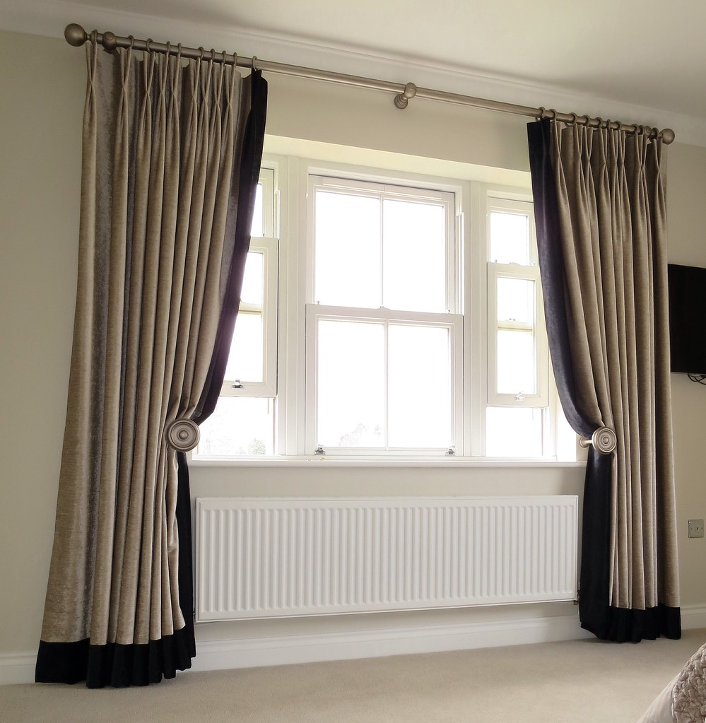 Full length curtains with contrast edge and hem