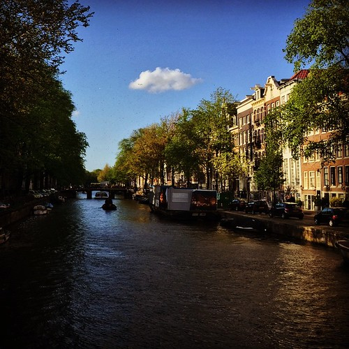 amsterdam square canal squareformat hefe iphone iphoneography instagramapp uploaded:by=instagram foursquare:venue=4a2703b4f964a52024851fe3