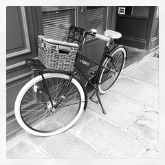 Bycicle #paris #parisnow #bicycle #bicyclette #blackandwhite